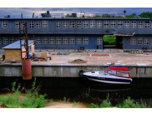 Floating Ship-repair Workshop No. 644.jpg