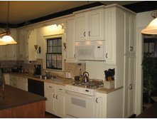 painting-kitchen-cupboards-white.jpg