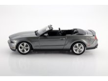 31158 машина 2010 Ford Mustang GT Converible.jpg