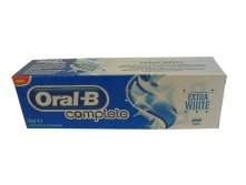 Зубная паста Oral-B COMPLETE Extra White mint, 75 мл. Цена 240 руб.