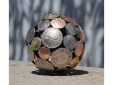 Artist-turns-discarded-keys-and-coins-into-works-of-art-8.jpg