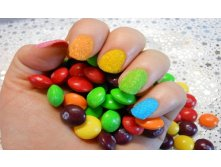 Fluffy-Rainbow-Skittle-Nail-Art.jpg