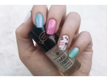 Puderperlen-essence-chupa-chups-i-want-candy-trend-edition-nail-look.jpg