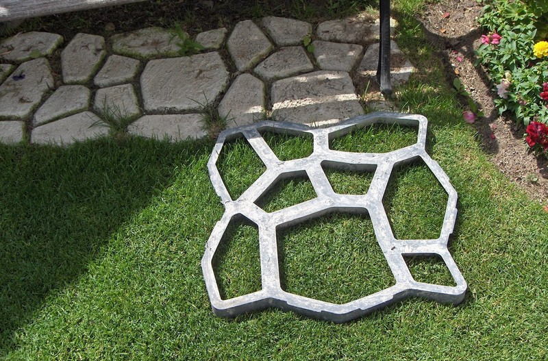 Diy paved patio 3.jpg
